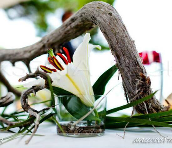 Beispiel: Floraler Schmuck, Foto: Ksenia Becker.