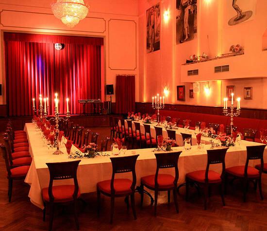 Klassische Hochzeitstafel im Großen Saal
