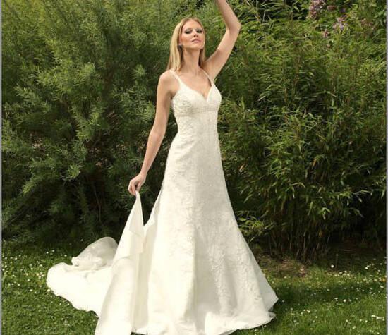 Beispiel: Brautmode, Foto: Brautkleider Alawi.