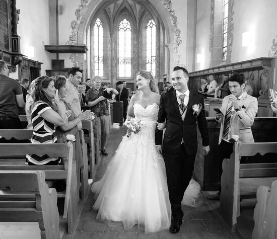 nach der kirchlichen Trauung in Ligerz am Bielersee, Schweiz - Marina & Jörg ∞ Hochzeitsfotografie