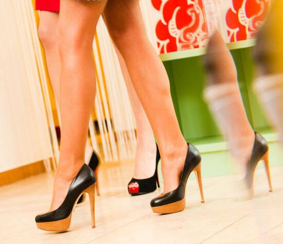 Beispiel: So können Sie Ihre Beine vorzeigen, Foto: Wax in the City München Altstadt Lehel.