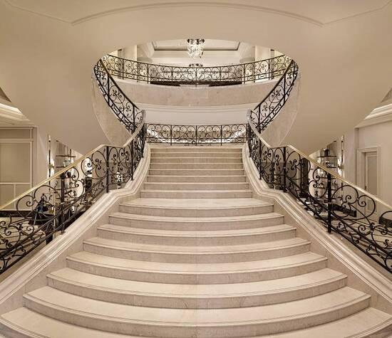 The Ritz-Carlton, Berlin Entrance Grand Staircase