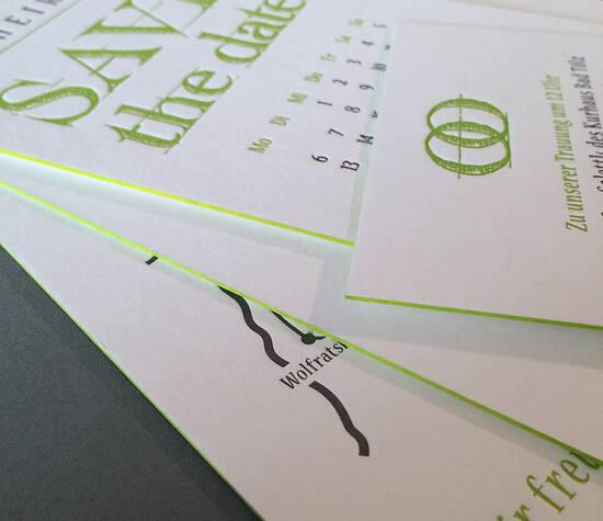 Hochzeitspapeterie, bestehend aus Save the Date, Einladung mit Wegbeschreibung, Tischkarten etc.