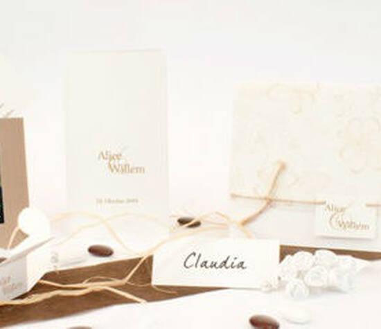 Beispiel: Hochzeitsset Natura, Foto: Sweet Wedding Hochzeitskarten.