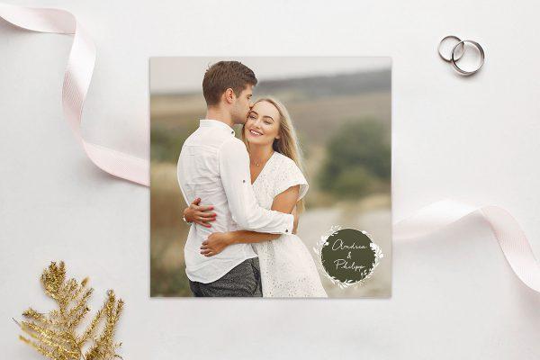 Einladungskarten mit Fotos Hochzeitseinladungen Aufnahme mit Gräserkranz